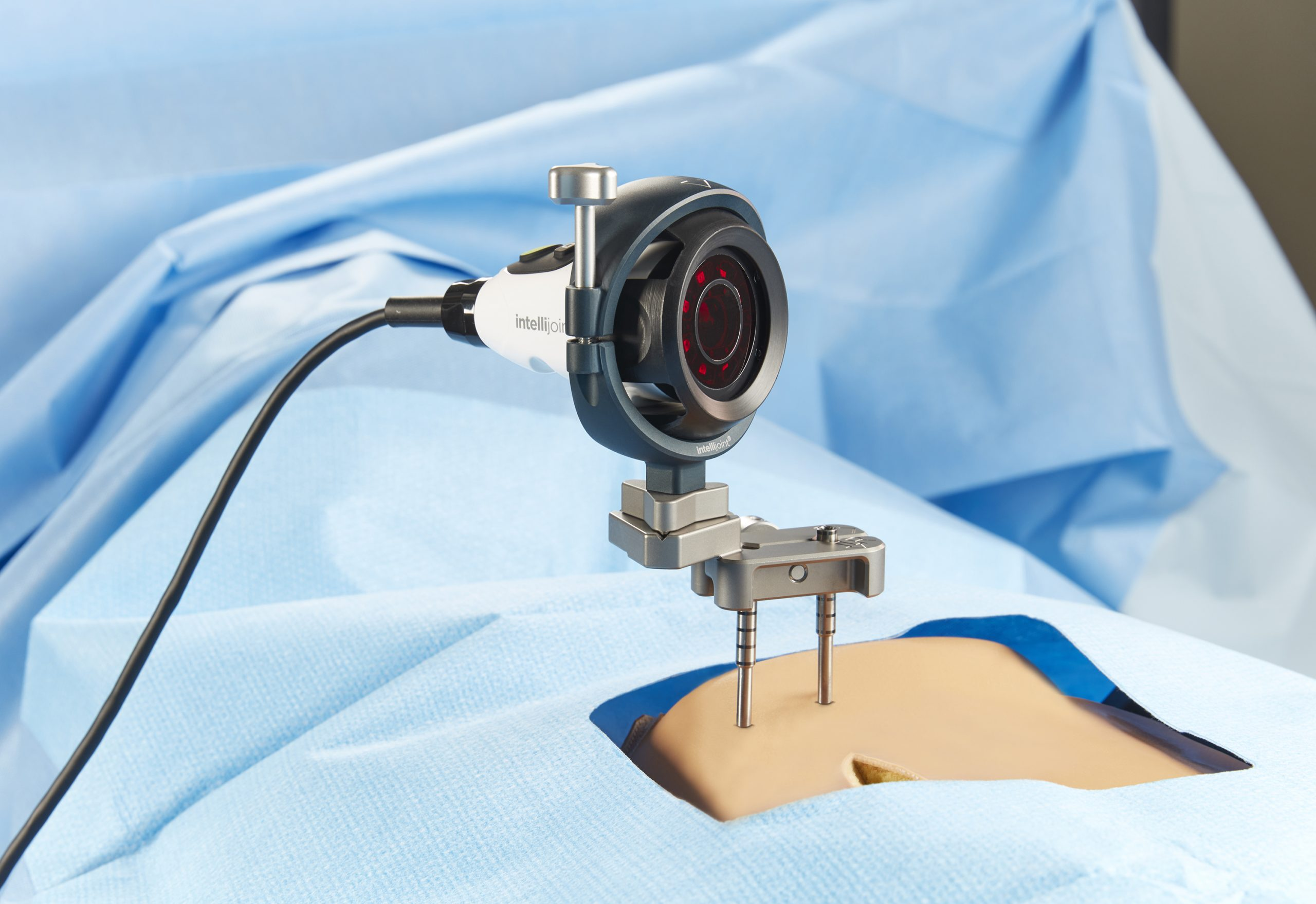 Photo of Intellijoint HIP being used in a hip replacement surgery.